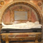 18a) Here is the actual coffin and resting place since 1661 of James Graham, 1st Marquess of Montrose.  You can see his long mustache and long, curly hair clearly in the marble effigy.